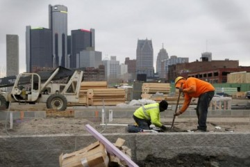 U.S. construction spending rises to 8-1/2-year high