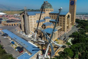 Liebherr mobile cranes installing bell tower at Basilica in Brazil