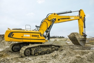 The Liebherr R 960 SME crawler excavator at SOTEC: a machine designed for the quarrying Industry