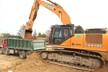 CX470C Leads Mass Excavation for Rafat