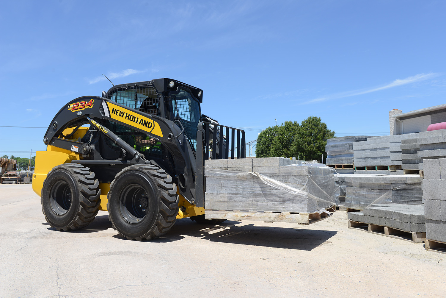 new holland construction introduces its newest most powerful skid steer loader to date tractopart. Black Bedroom Furniture Sets. Home Design Ideas