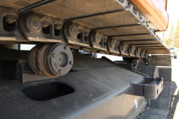 TOP 15 CONSIDERATIONS FOR MAINTAINING UNDERCARRIAGE HEALTH AND PRODUCTIVITY